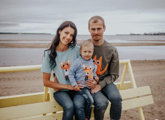 hilp perekond rannas