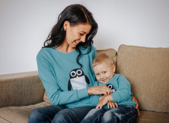 hilpi pingviini pusaga naine ja laps